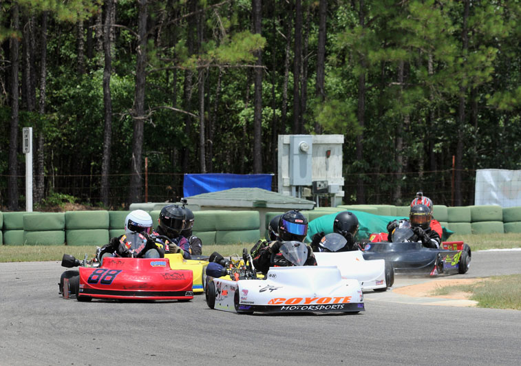 Jim Lipari sets the pace on a Pro Gas Animal start (Double Vision)